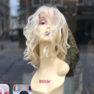 Short beach waves blonde 613 Lacefront wig 2020